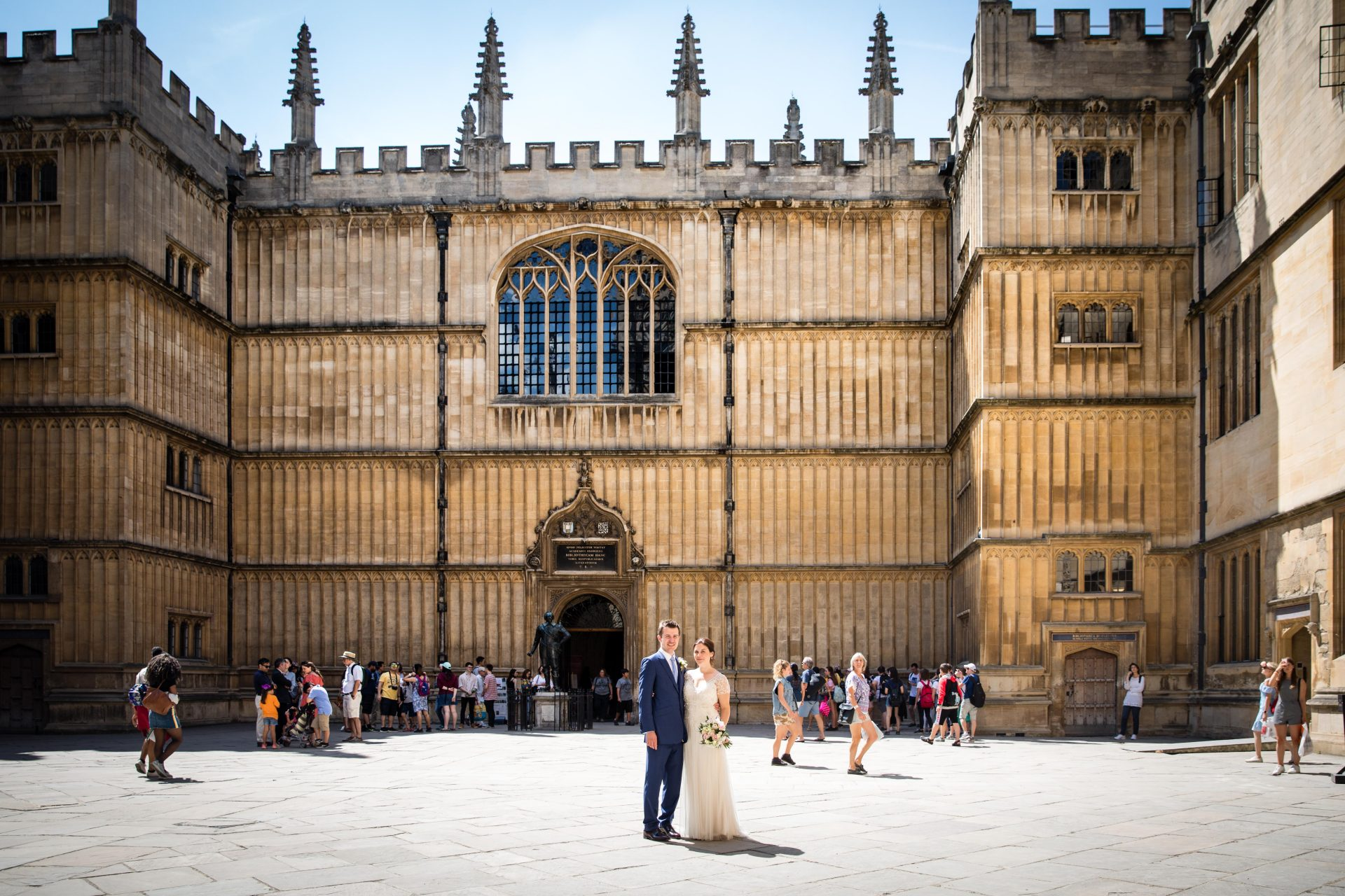 Beckie And Dan S Wedding Was Such An Wonderful Combination Of Elegance History With Trend Vibrance The Ceremony Held In Bodleian